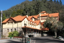 Jenolan Caves Day Tour - Caves House